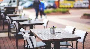 Bar e ristoranti, spazi all'aperto gratuiti e ampliati